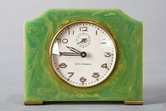Art Deco Seth Thomas Catalin Bakelite Clock in Green
