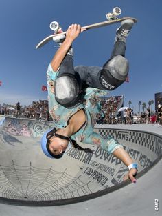 Lizzie Armanto awesome skater  /Asiaskate/