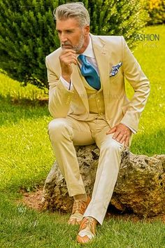 Ivory Hipster groom suit in pure cotton  #wedding #groom #tuxedo #luxury #menswear #menstyle #fashion #dapper #alternative #shabbychic