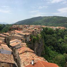 Castellfollit de la Roca em Cataluña