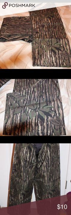 Youth briar chaps Youth size REAL TREE briar chaps! Great for out in the woods!! Other