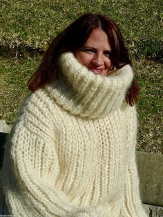 Turtleneck Outfit, Sweater Outfits, Thick Sweaters, Cozy Sweaters, Gros Pull Long, Gros Pull Mohair, Mohair Sweater, Knitwear, Turtle Neck