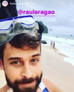 Olha lá quem é o responsável de hoje pelo conteúdo dos Stories da conta oficial do @instagrambrasil . Valeu Instagram pela oportunidade de contar um pouquinho dos meus dias nesse lugar mágico.  Também tem um pouquinho de making of claro no meu destrambelhado Stories.  #fernandodenoronha #instagrambrasil