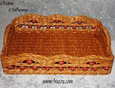 Weaving paper. Плетеный поднос с полимерными бусинами.