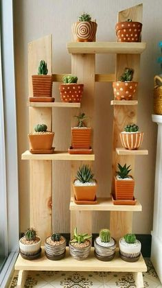 Enchanting DIY Vertical Planter Cool Plant Stand Design Ideas For Indoor Houseplant Decoration Plante, Vertical Planter, Vertical Herb Gardens, Diy Plant Stand, Small Plant Stand, Stand Design, Cool Plants, Small Plants, Inside Plants