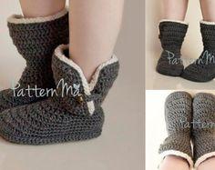 Crochet Women's Slippers Boots size 5-12 22 di PatternMa su Etsy