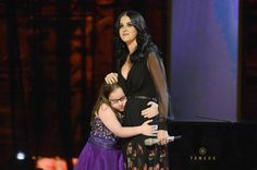 Katy Perry sings with autistic 11 year old Jodi DiPiazza