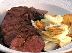 Pan Roasted Venison With Creamy Baked Potato And Celeriac Recipe Jamie Oliver Food Network Deer Recipes, Wild Game Recipes, Fun Recipes, Entree Recipes, Venison Marinade, Venison Meat, Beef, How To Cook Venison, Cooking Venison
