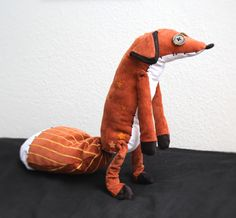 A plush I made of the fox from the Little Prince ★ He is a posable (sitting) OOAK plush with hand painted patterns and decorative stitching. –EDIT– The pattern is now up for sale here Marceline, Little Prince Fox, Crochet Art, Painting Patterns, Homemade Gifts, Diy Plushie, Dinosaur Stuffed Animal, Sewing Projects, Sewing Patterns