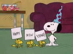Snoopy & Woodstock Happy New Year Charlie Brown Y Snoopy, Snoopy Love, Snoopy And Woodstock, Snoopy Happy New Year, Happy New Year Everyone, Happy New Year Funny, Peanuts Cartoon, Peanuts Snoopy, Snoopy Pictures