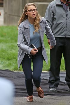30.08 - FILMING 'SUPERGIRL' IN VANCOUVER