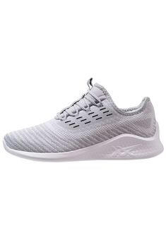 sneakers for cheap efe8f bf087 Die 161 besten Bilder von Schuhe  Athletic Shoes, Shoes snea