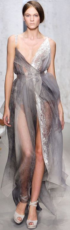 Donna Karan. Such an ethereal lookque
