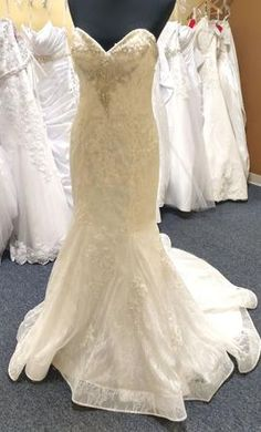 David Tutera 216253: buy this dress for a fraction of the salon price on PreOwnedWeddingDresses.com