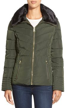 Women's GUESS Faux Fur Collar Quilted Jacket, Size X-Large - Green | 33.0% de réduction