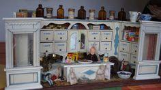 Kaufladen Gründerzeit Jugendstil weiß blau evtl. Gottschalk auch leer möglich in Antiquitäten & Kunst, Antikspielzeug, Puppen & Zubehör | eBay