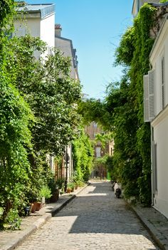 Rue des Thermopyles, Paris | France (by Bee.girl) thats what streets should look like