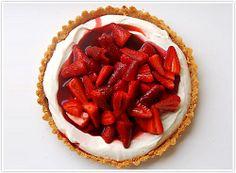 http://www.bazekalim.com/2009/04/07/no-bake-strawberry-cheesecake/