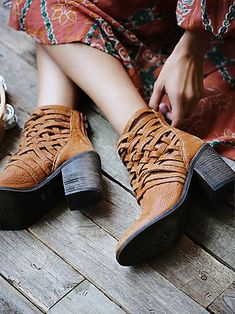 Carrera Heel Boot | Washed leather block heel boots with basket-weave detailing | fall shoes