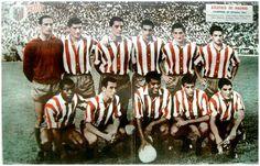 Equipos de fútbol: ATLÉTICO DE MADRID 1960-61 At Madrid, Squad, Bullet, Sports, Soccer, World, Team Building, Football Team, Football Pics