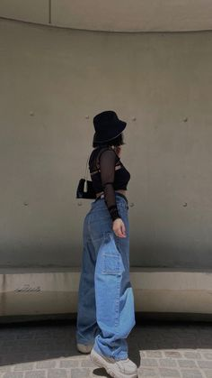 #aesthetic #fashion #style #outfits #ootd Aesthetic Fashion, Mom Jeans, Ootd, Photo And Video, Denim, Fitness, Pants, Jackets, Outfits