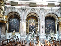 Paintings by Giacomo Farelli, Fabrizio Santafede and Francesco Solimena; Architecture with polychrome marbles and sculpted Angels (17th century) by Dionisio Lazzari - Santa Maria Egiziaca a Forcella Church in Naples