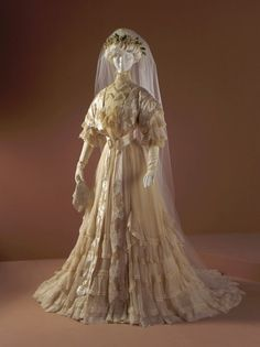 Wedding Dress Made Of Silk Chiffon, Satin And Embroidery With Linen Bobbin Lace - Made By Jean-Philippe Worth, House Of Worth  c.1907 The Los Angeles County Museum of Art