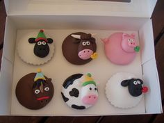 Mossys Masterpiece - Farm party Animals by Mossy's Masterpiece cake/cupcake designs, via Flickr