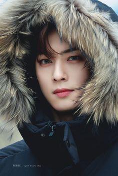 Handsome Korean Actors, Handsome Boys, Lee Min Ho, Suho, Park Jin Woo, Cha Eunwoo Astro, Astro Wallpaper, Cute Korean Boys, Lee Jong Suk