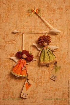 Christmas Feeling, Tiny Dolls, Fabric Dolls, Christmas Inspiration, Fabric Scraps, Doll Patterns, Doll Clothes, Projects To Try, Wings