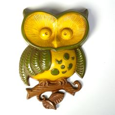 Metal Owl Kitchen Wall Plaque. I have these!