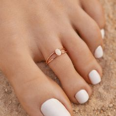 Toe Nails White, Gold Toe Nails, Gold Toe Rings, White Toes, Opal Rings, White Gold Rings, Pura Vida Bracelets, Gorgeous Feet, Cute Jewelry