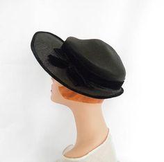 e4b3eb70930 1940s vintage hat black with velvet trim excellent 1950s Hats