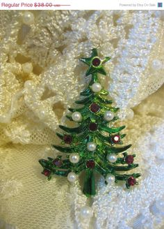 ON SALE Vintage Mylu Christmas Tree Pin Signed by Sisters2Vintage, $32.30