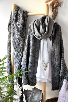sunday monday TO HOME: scarves