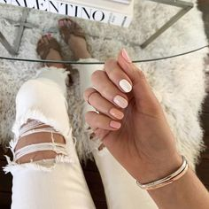 In seek out some nail designs and ideas for your nails? Here's our set of must-try coffin acrylic nails for modern women. Cute Acrylic Nails, Cute Nails, Pretty Nails, Neutral Acrylic Nails, Squoval Acrylic Nails, Short Square Acrylic Nails, Rounded Acrylic Nails, Smart Nails, Manicure At Home