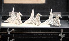 Schwanentanz  / Origami aus alten Buchseiten