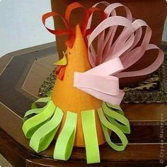 Paper quilling idea for kids Diy And Crafts, Crafts For Kids, Paper Balls, Diy Ostern, Quilling Designs, Paper Quilling, Creative Kids, Holiday Ornaments, Paper Design