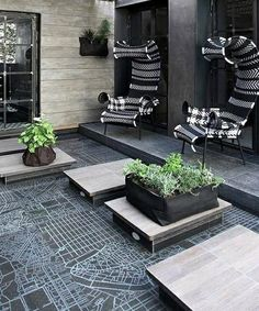 Modern terrace design – 100 images and creative ideas. Exterior Design, Beautiful Space, Decor, Small Balcony Decor, House Exterior, Porch And Balcony, Terrace Design, Interior Design Inspiration, Outdoor Design