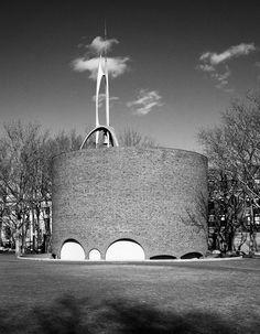 MIT Chapel designed by Eero Saarinen Spire and bell tower designed by Theodore Roszak