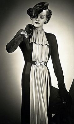 Vintage Hats from the 1930 glamour. There's nothing about this dress/look that I don't like. SO elegant! 1930s Fashion, Art Deco Fashion, Retro Fashion, Vintage Fashion, Trendy Fashion, Fashion Glamour, Fashion Beauty, Moda Retro, Moda Vintage