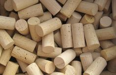 225 all natural blank wine corks. No pressed, synthetic or printed. Wedding Craft Up-Cycling (Guest Book)