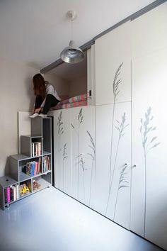 paris micro apartment home Micro Apartment, Parisian Apartment, Tiny Apartments, Paris Apartments, Tiny Spaces, Apartment Design, Student Apartment, Apartment Renovation, Minimalist Apartment