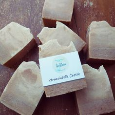 olive oil with chocolate and coconut essential oil Coconut Essential Oil, Coconut Oil, Essential Oils, Sensitive Skin Care, Vegan Soap, Castile Soap, Organic Soap, Organic Beauty, Soap Making