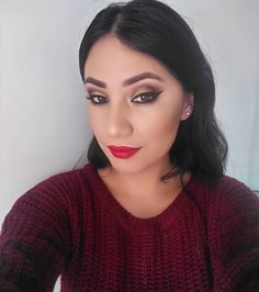 """34 Likes, 1 Comments - Nancy Aldana Makeup (@nancyaldana.gt) on Instagram: """"Bienvenido Diciembre 🎄🎉✨🎁 Maquillaje en tonos dorados y labios 💋 rojos,  #makeup #maquillaje…"""""""