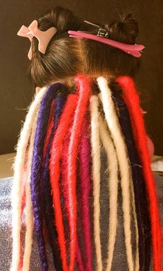 How to Install Synthetic Double Ended Dreads : 4 Steps - Instructables Starting Dreads, How To Make Dreadlocks, Yarn Dreads, Double Ended Dreads, Dreadlock Accessories, Synthetic Dreadlocks, Dreadlock Extensions, Hair Creations, Stylish Hair