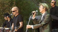 """RTÉ Mobile - Moby recalls """"remarkable"""" friendship with David Bowie"""