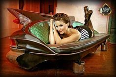 I love this very unusual half car half fish fin couch, very exotic taste!
