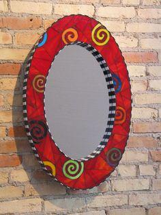 Oval mirror - a little whimsey vierkantige patroon vir langwerpige spieel Mirror Mosaic, Mosaic Diy, Mosaic Garden, Mosaic Crafts, Mosaic Projects, Mosaic Glass, Mosaic Tiles, Tiling, Mosaic Designs