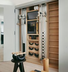 Your Dream Home Gym is Just Click Away - Greystone Statement Interiors Home Gym Design, Küchen Design, House Design, Dream Home Gym, Gym Room At Home, Workout Room Home, Workout Rooms, Gym Interior, Interior Design